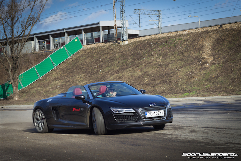 Audi_R8_V10_Spyder-23