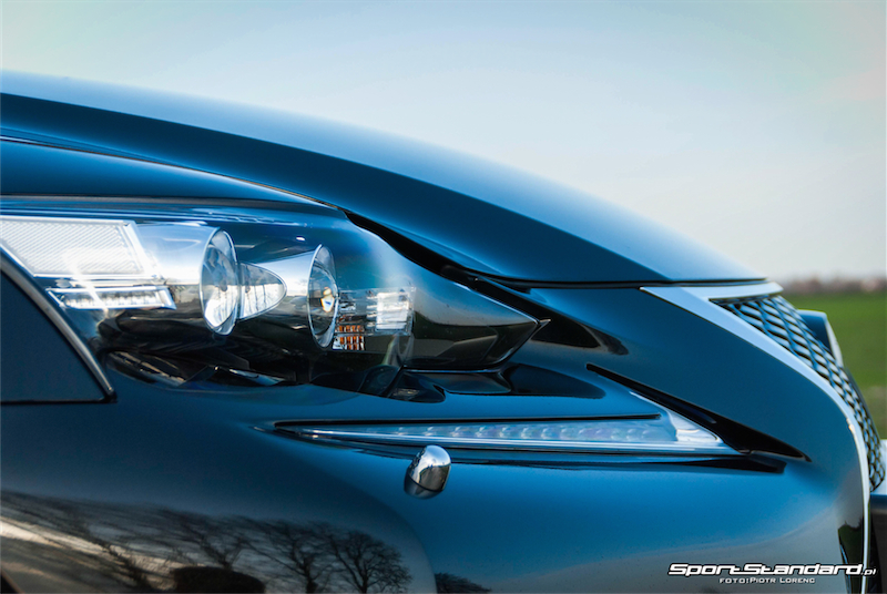 Lexus_IS250_FSport-16