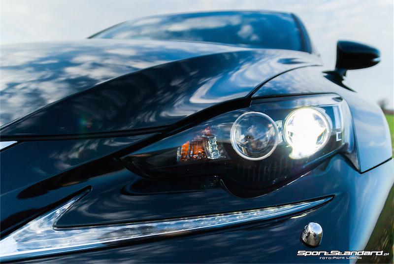 Lexus_IS250_FSport-17