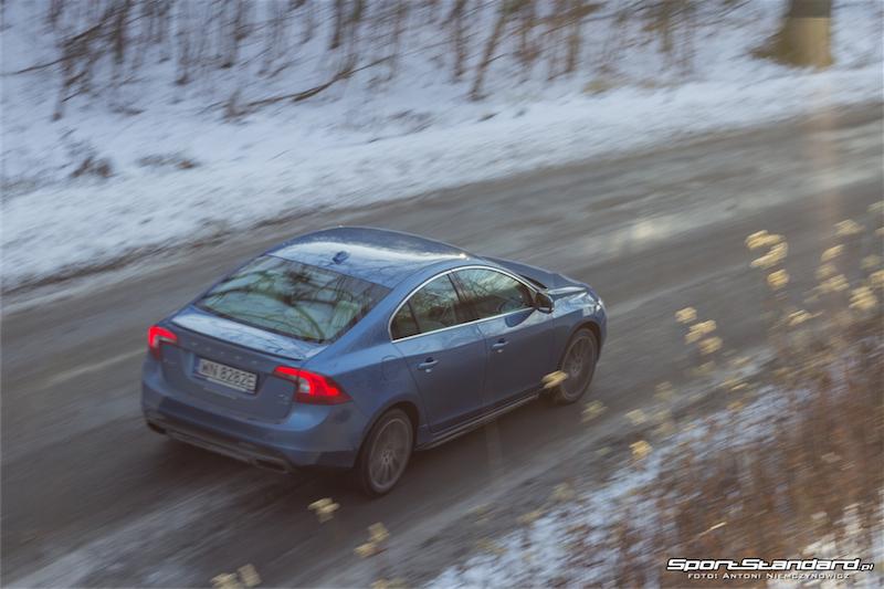 2013_Volvo_S60_T6-15