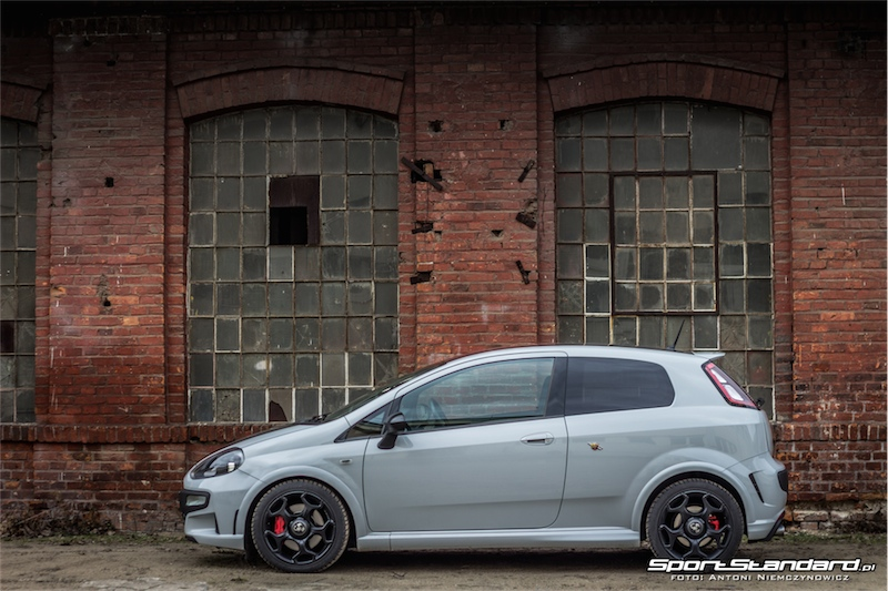 2014_Abarth_Punto_Evo_SuperSport_SportStandard-32
