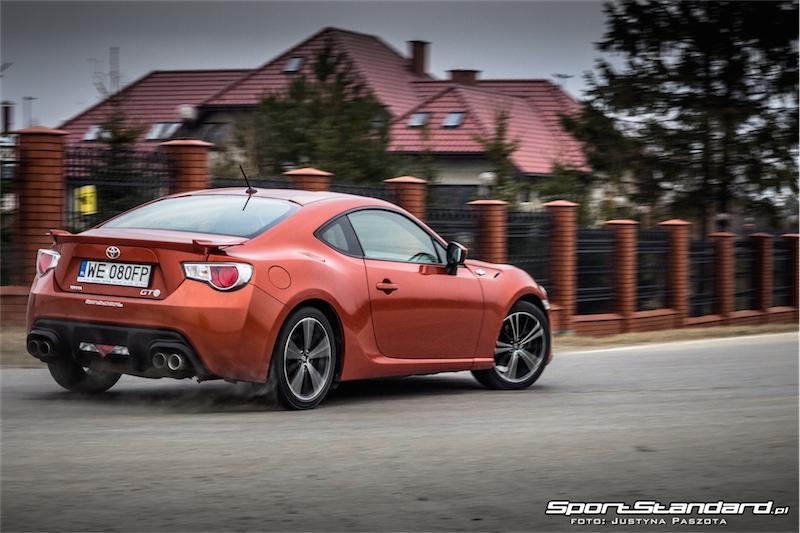 2014_Toyota_GT86_TRD_SportStandard-37