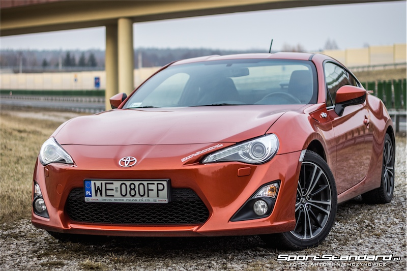 2014_Toyota_GT86_TRD_SportStandard-4