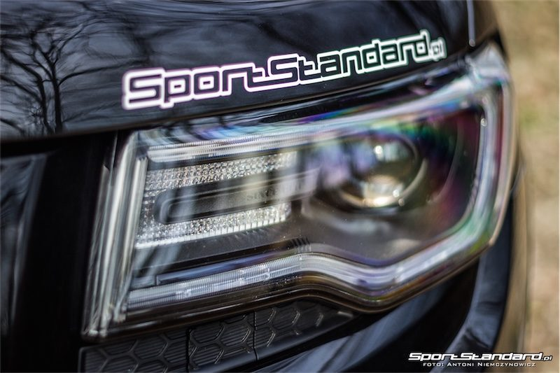 2014_Jeep_Grand_Cherokee_SRT_SportStandard-1