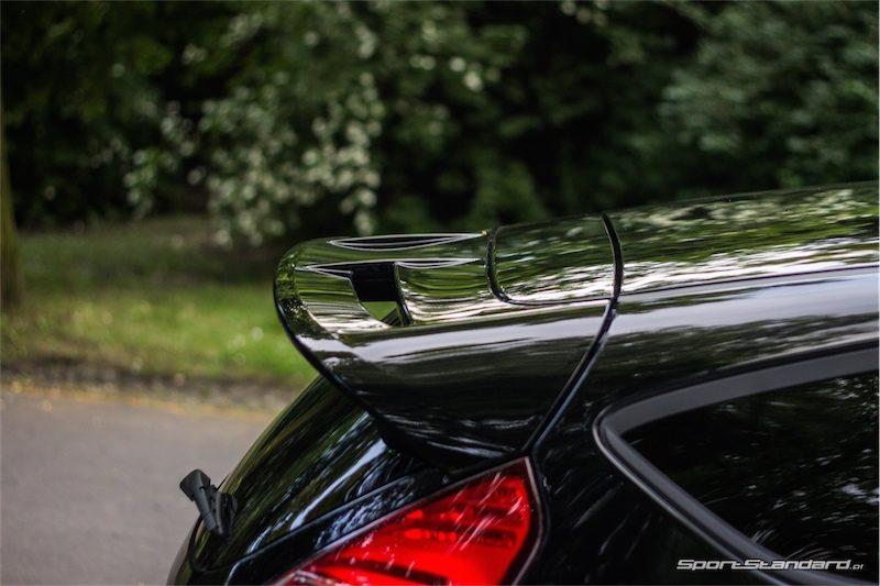 2014_Ford_Fiesta_ST_SportStandard-15