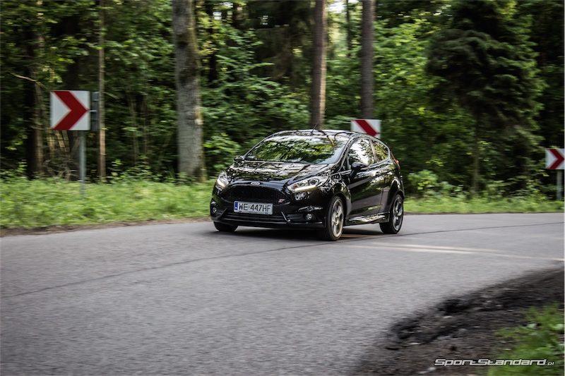 2014_Ford_Fiesta_ST_SportStandard-3