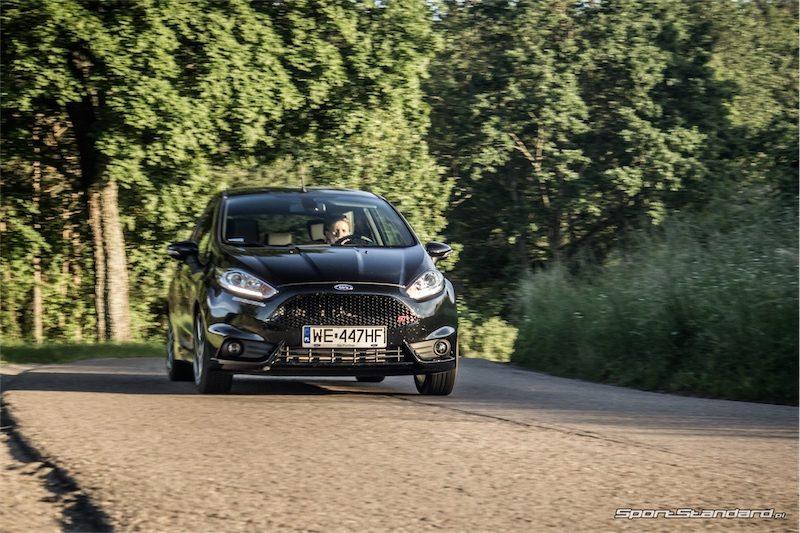 2014_Ford_Fiesta_ST_SportStandard-5