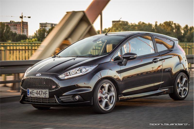2014_Ford_Fiesta_ST_SportStandard-8