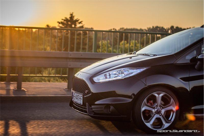2014_Ford_Fiesta_ST_SportStandard-9