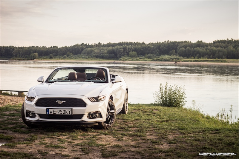 2016_Ford_Mustang_EcoBost-8